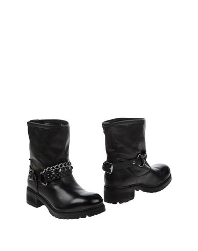 Love Moschino Ankle Boot In Black
