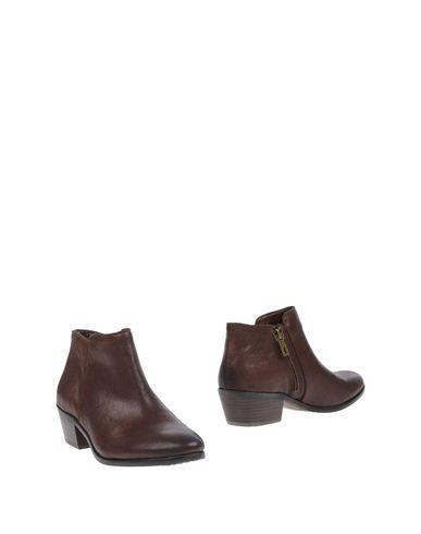 Sam Edelman Ankle Boot In Dark Brown