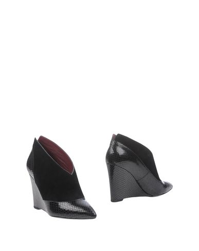 Marc By Marc Jacobs Booties In Black