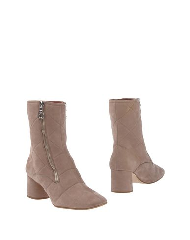 Marc Jacobs Ankle Boot In Beige