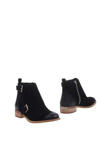 Michael Michael Kors Ankle Boot In Black