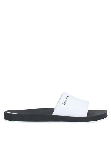 Ipanema Sandals In White