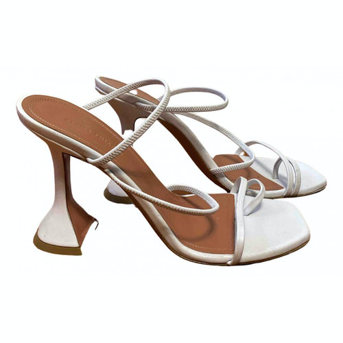 Pre-owned Amina Muaddi White Leather Sandals