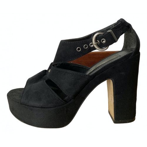 Pre-owned Fiorucci Black Suede Heels