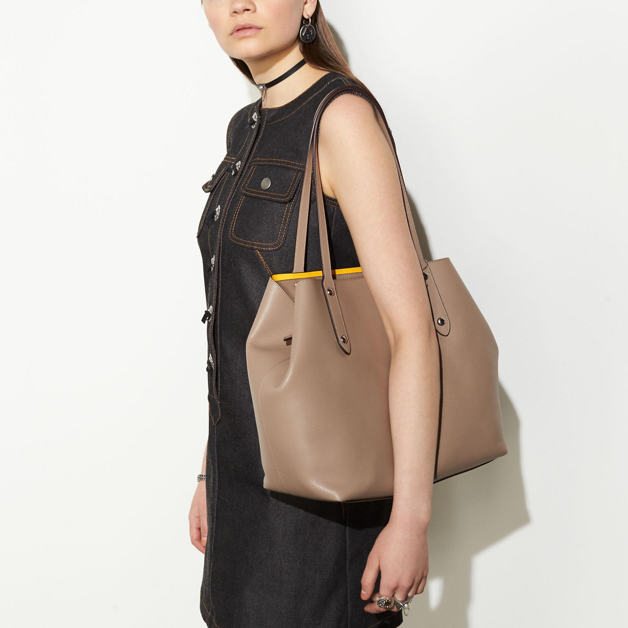 342f4882c22d Large Market Tote In Polished Pebble Leather in Light Gold/Black/True Red