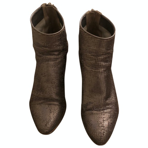 Pre-owned Fiorifrancesi Gold Leather Ankle Boots