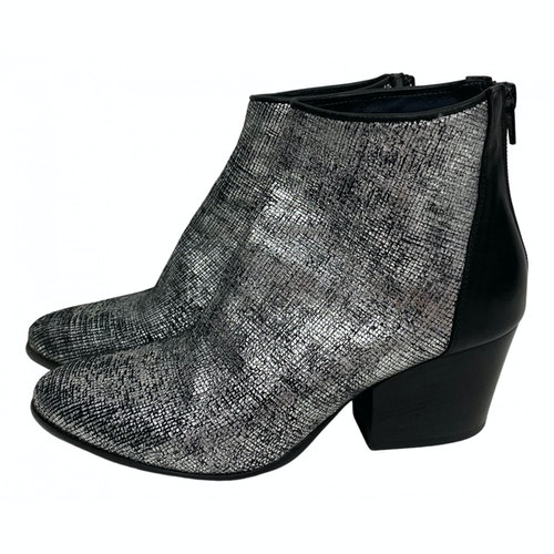 Pre-owned Fiorifrancesi Metallic Leather Ankle Boots
