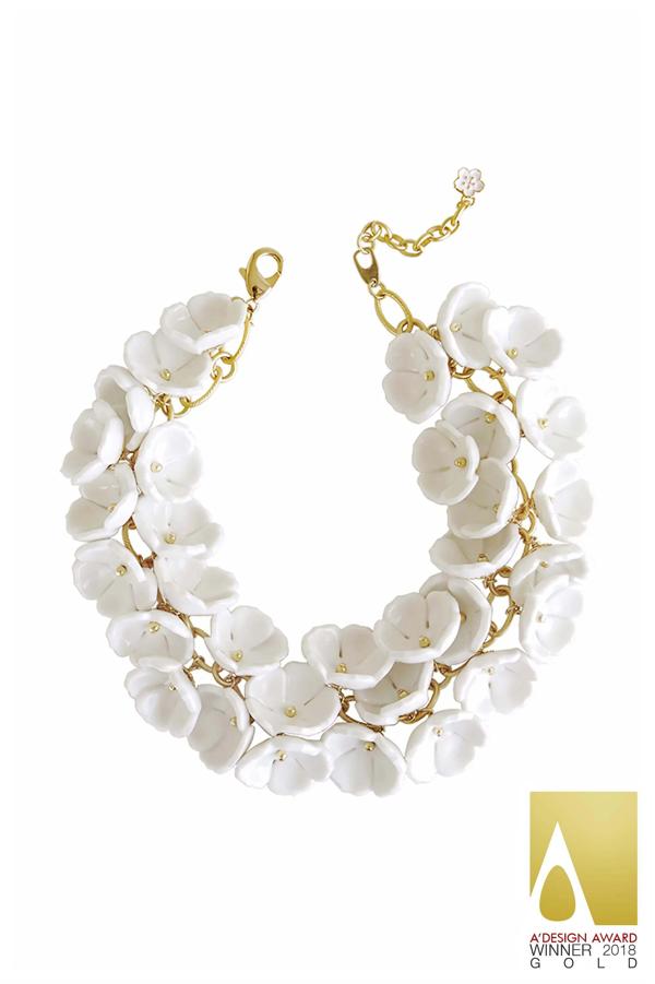 Poporcelain Women's Porcelain Plum Blossom Cluster Necklace