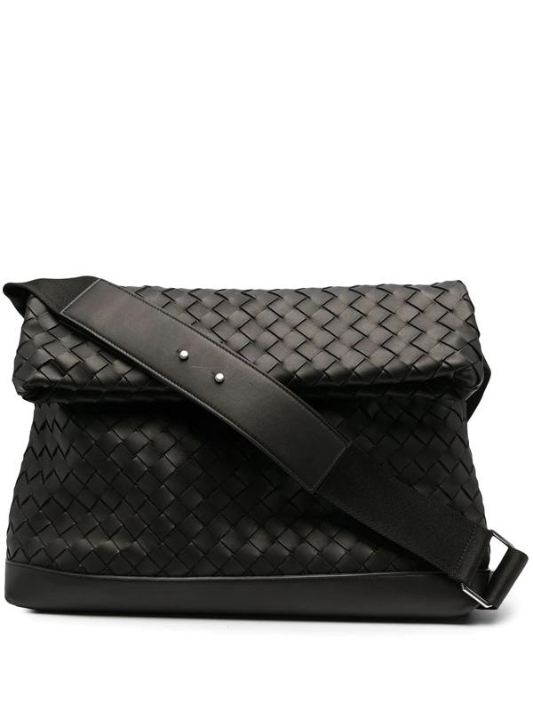 Bottega Veneta Large Intrecciato Messenger Bag In Black