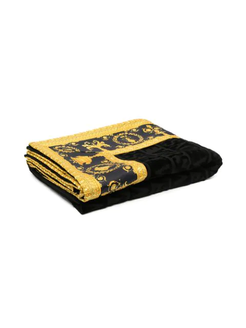 Versace Greca Motif Towel In Black
