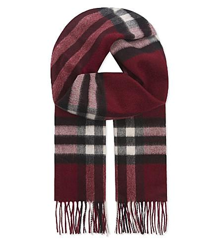 Burberry Giant Check Cashmere Scarf In Plum Check