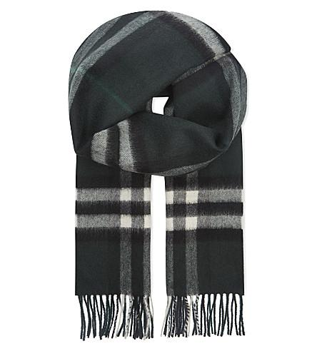 Burberry Giant Check Cashmere Scarf In Dark Forest Green