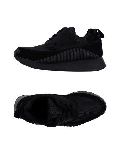 Underground Sneakers In Black