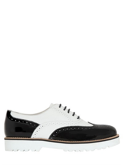 Hogan Two Tone Leather Oxford Shoes In White/black