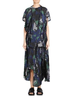 Sacai Digital Camouflage Print PlissÉ Pleated Top In Black Navy