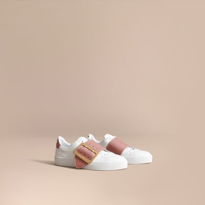 Burberry Buckle Detail Leather Trainers In Pink Apricot