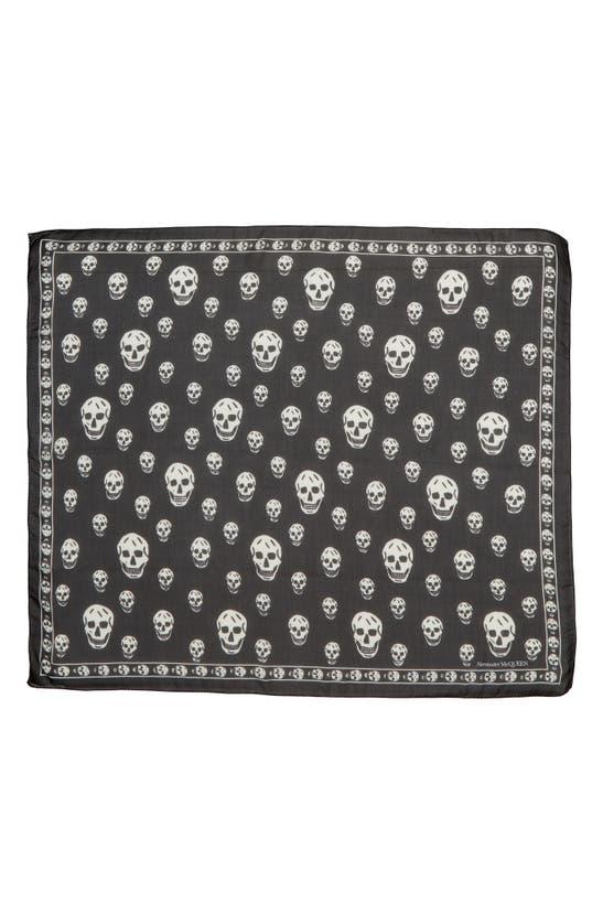 Alexander Mcqueen Classic Skull Scarf Unisex In Black/ Ivory