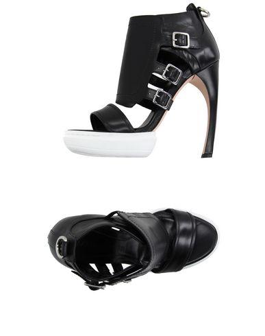 Alexander Mcqueen 135Mm Leather Sandal In Black
