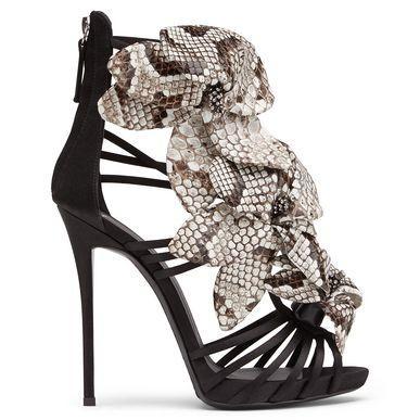 Giuseppe Zanotti E50326003 Sandals In Black