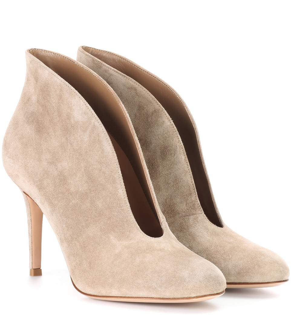 Gianvito Rossi Vamp 85 Suede Ankle Boots In Beige