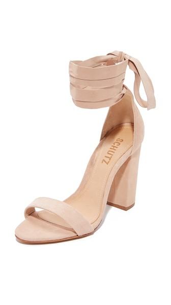Schutz Kelma Sandals In Amendoa
