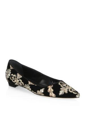 Manolo Blahnik Tittermo Floral Embroidered Ballet Flat In Black