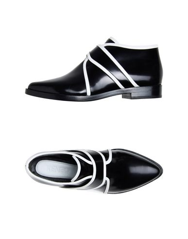Kenzo Laced Shoes In Black