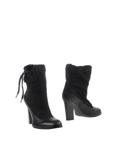 Rag & Bone Ankle Boot In Black