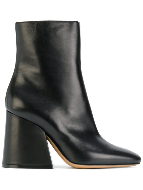 Maison Margiela Square Heel Leather Ankle Boots In Llack