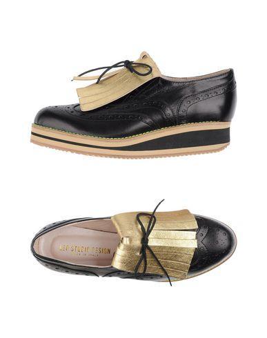 Leo Studio Design Laced Shoes In Black