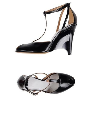 Maison Margiela Sandals In Black