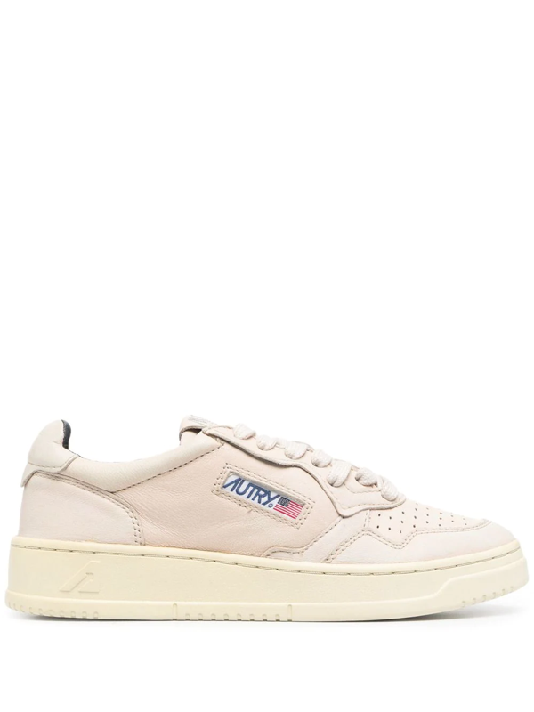 Autry Medalist Low-top Panelled Sneakers In Neutrals