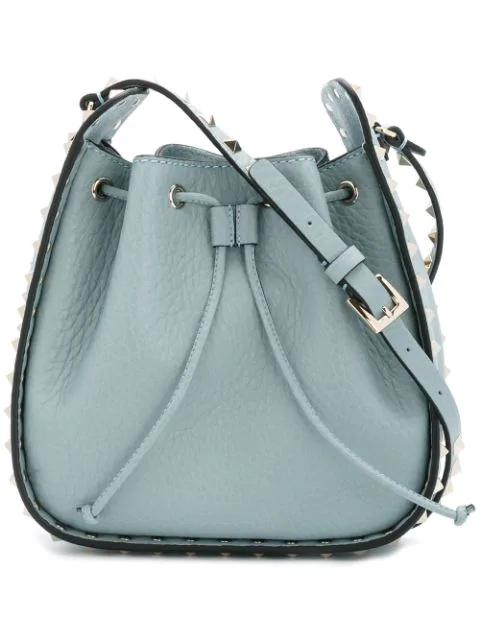 Valentino Rockstud Leather Cross-body Bucket Bag In Nube