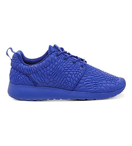 online store 5e59e 237f2 Roshe Run Diamondback Trainers in Racer Blue Dmb