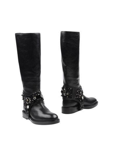 Strategia Boots In Black