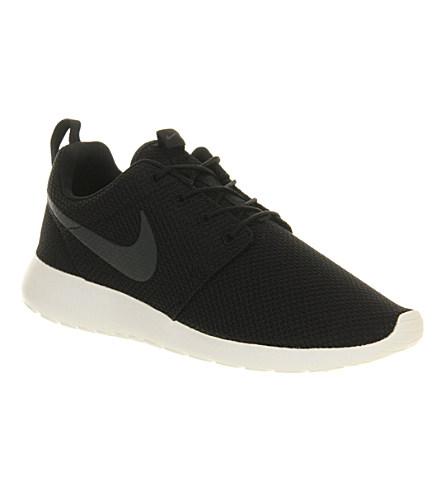 Nike 'Roshe Run' Sneaker (Men) In Black/ Anthracite/ Sail