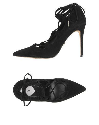 Windsor Smith Pumps In Black