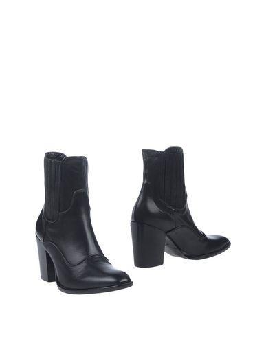 Elena Iachi Ankle Boots In Black