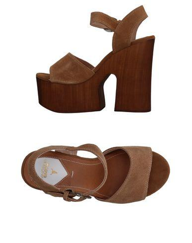 Windsor Smith Sandals In Camel