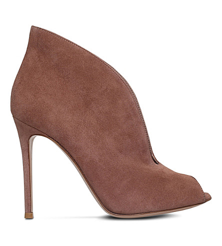 Gianvito Rossi Vamp 105 Suede Heeled Ankle Boots In Beige Comb