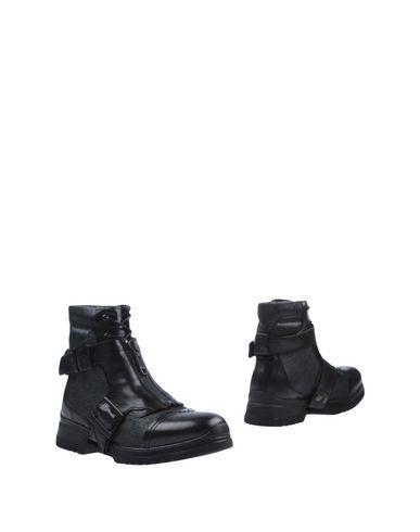Diesel Boots In Black