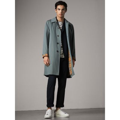 Burberry The Camden Vintage Coat In Dusty Blue