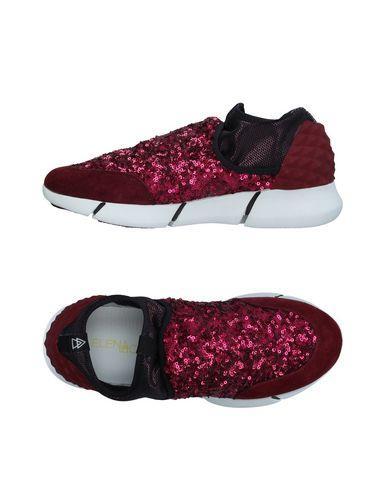 Elena Iachi Sneakers In Garnet