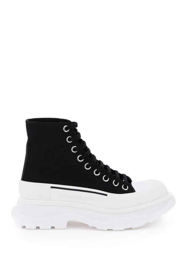 Alexander Mcqueen Tread Sleek Boots In Black,white