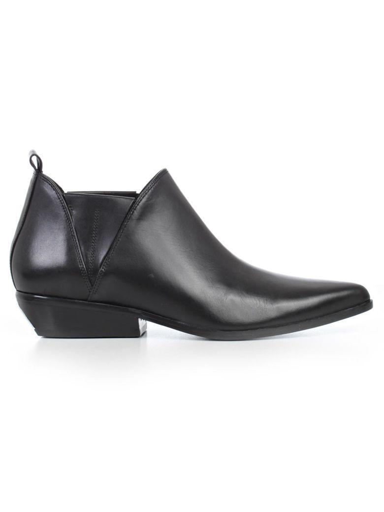 Kendall + Kylie Sneakers In Black