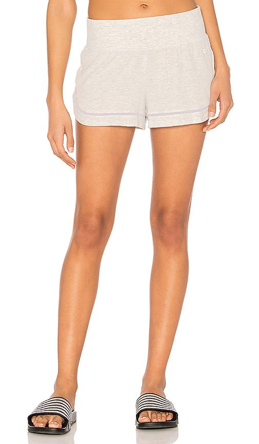 Alo Yoga Charm Short In White Heather
