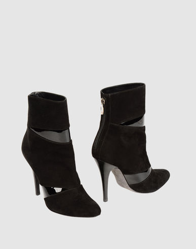 Barbara Bui Ankle Boot In Black