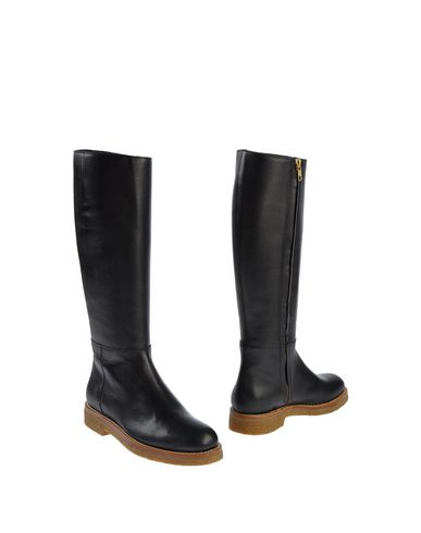 Marni Contrasted Sole Boots In Black