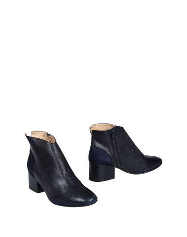 Purified Ankle Boot In Black