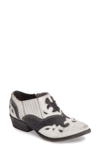 Matisse Steely Western Bootie In White/ Black Leather